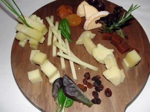 Restaurante asturiano Teitu, Madrid, maridaje gourmet y mas, maridaje, maridaje gourmet, cocina tradicional asturiana, guisos típicos asturianos, Fabes asturianas con su compango, Fabes con almejas y pixín. Fabes con andaricas y txangurro, Pote asturiano, Lubina de Cudillero en salsa de oricios, Carne gobernada, Pitu Caleya con patatinas, Arroz con pitu Caleya, Arroz con leche asturiano, vino, VA MURUA, Cudillero, Grupo Oter, queso asturiano, leche fresca de cabra, vaca, oveja, queso LA PERAL, GAMONEDO, GAMONÉU, AFUEGA EL PITU, QUESO AHUMADO DE PRÍA, Sidra Natural Trabanco