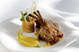 plato gourmet, Madrid exquisito, restaurantes, maridaje gourmet y mas, maridaje gourmet, maridaje, ONG Mensajeros de la Paz, menu degustación