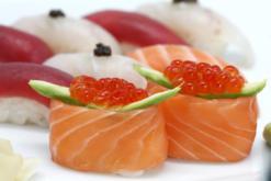 Sushi, maki, restaurante japones Tsunami, Madrid, take away, Tsunami Delivery, cocina japonesa, sake, sashimi, maridaje gourmet y mas, maridaje gourmet, maridaje, gourmet, sushi, cocina japonesa, comida asiatica, wasabi, japón, maki, asian, atún, salmón, crudo, salud, pescado crudo, salsa, aislado, pez espada, caviar, huevas, rojo, negro, blanco, aguacate, variado, soja, algas, oriental, alimentación, wakame martini