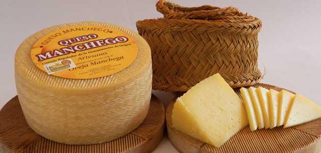 Elaboración e historia del queso manchego, La Mancha, Don Quijote, queso, ovejas de raza manchega, leche de oveja pasteurizada, Ordeño y refrigeración de la leche, Coagulación y corte de la cuajada, Desuerado de la cuajada, moldeado, Identificación del queso, volteado, prensado, salado, color natural, comer bien, dieta sana, dieta mediterránea, producto gourmet, maridaje gourmet, maridaje gourmet y más