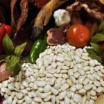 Receta habones de Sanabria, legumbre, fabada, oreja, patra, panceta, cerdo, chorizo, ajo, laurel, aceite de oliva, cebolla, pimentón dulce, sal, cocinar legumbres, cocinar, refrito, comer caliente, plato de cuchara, invierno, comer caliente, maridaje gourmet y más
