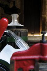 bebidas, vino, para la sed, albariño, cepas viejas, viñedos, viñas propias, Rias Bixas, Galicia, Rosa Ruiz, Bodeguero Santiago Ruiz, padre del albariño, vino varietal 100% Albariño, bodega, cata, nota de cata, maridaje gourmet y más, maridaje gourmet, maridaje, catar vino, Luisa Freire, enóloga de Santiago Ruiz, edición limitada, vino alegre fragante y joven, viñedos de O Rosal, vendimia, selección manual, maridar, Denominación de Origen Rías Baixas, tradición vinícola, añada, vinos de Galicia, San Miguel de Tabagóny, rio Miño, océano atlántico, Albariño, Loureiro, Treixadura, Godello, Caiño Blanco, uva, uva Albariño, aromas frutales de manzana, pera, chirimoya, aromas florales de rosa y acacia, vinos armoniosos, envejecimiento en botella, disfrute a más largo plazo, vinos blancos jóvenes, maduración temprana, uvas de los viñedos de Santiago Ruiz permiten obtener mostos de gran riqueza aromática y cuerpo