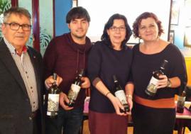 beber vino,beber,nota de cata Tharsys City,artista callejero Joan Canovas, Asociación Valenciana de Sumilleres,Etiquetas de vinos,Pago de Tharsys,Joan Canovas,Vino Tinto Tharsys City, Vino blanco Tharsys City, vino, vino tinto, vino blanco vino de Requena Vino de la D.O. Utiel-Requena, bodegas de Requena, uva bobal, uva macabeo,Requena, Vinos de Requena, vinos de Valencia,Maridaje Gourmet y Mas, Maridaje, Gourmet, evento, evento gastronomico, salir por valencia, Valencia, foodies,comprar vino, comprar vino en Valencia, Comprar vino valenciano, comprar vino de Requena,